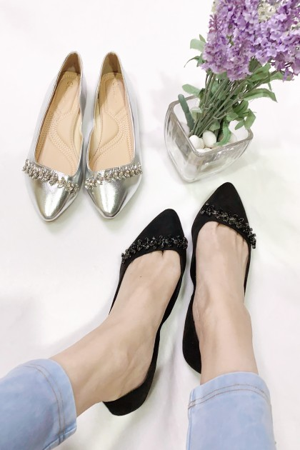Chixxie Bedazzled Pointed Toe Flats in Black
