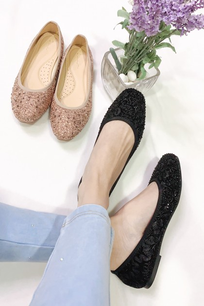 Chixxie Embellished Laced Ballerina Flats in Black