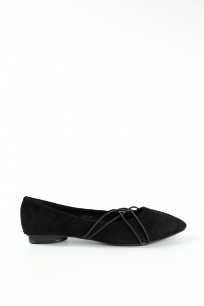 Chixxie Crossed Strap Pointed Toe Flats in Black