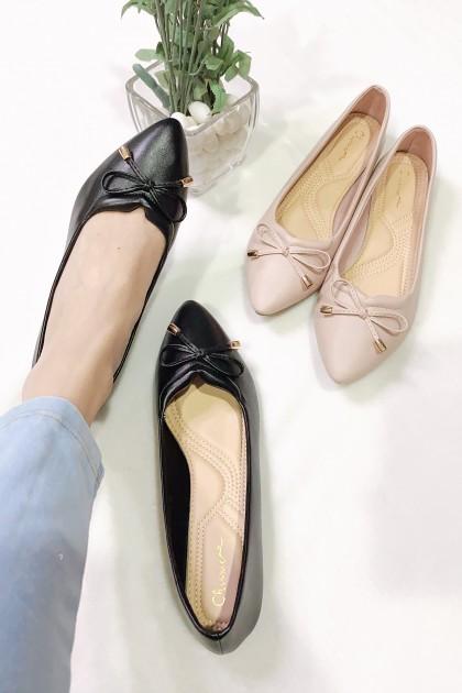 Chixxie V-Cut Ribbon Tie Pointed Toe Flats in Black