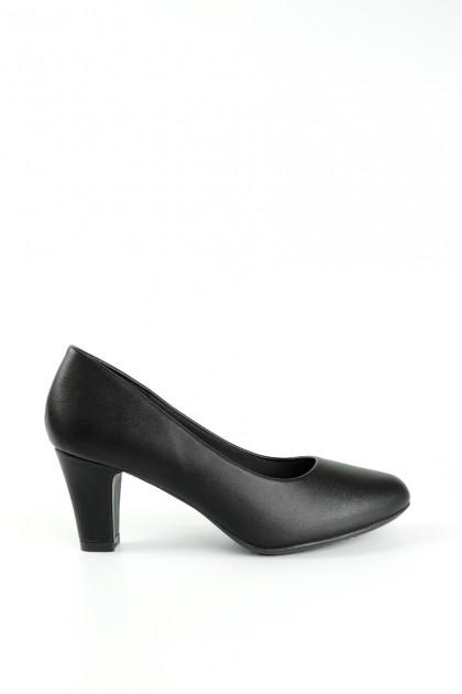 Chixxie Round Toe Heels in Black