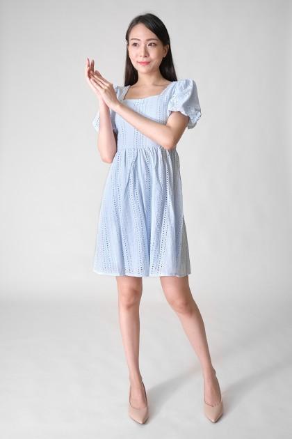 Chixxie Chloe Puffy Lace Dress in Blue
